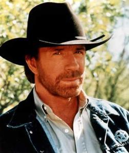 Chuck Norris perdeu a virgindade antes do próprio pai.